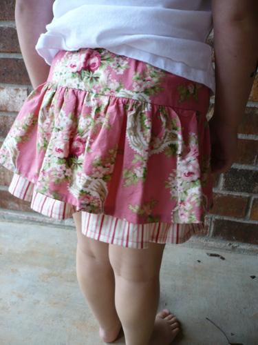 vintage-floral-flirty-skirt