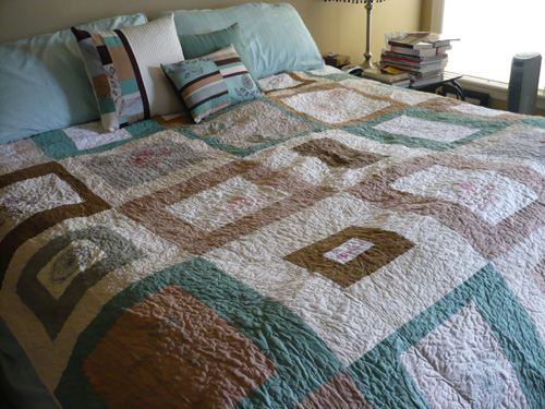 quilt size for queen bed 1